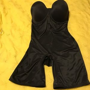 New Flexes Shapewear Bra Shorts. Size 38D